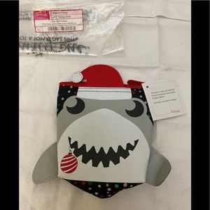 """❤️3/$30 Thirty One Cool Zip Snacker """"Holiday Shark"""